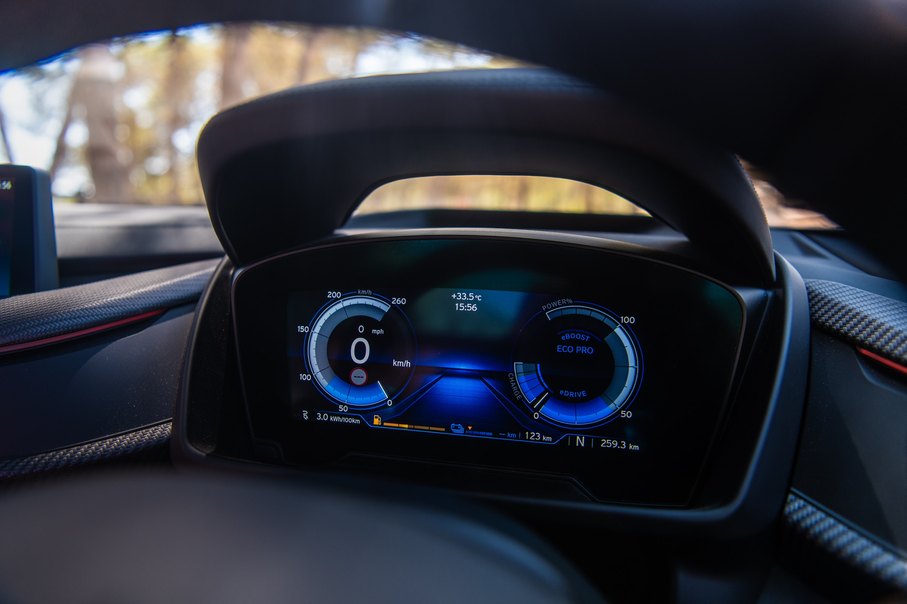 BMW i8 virtual cockpit