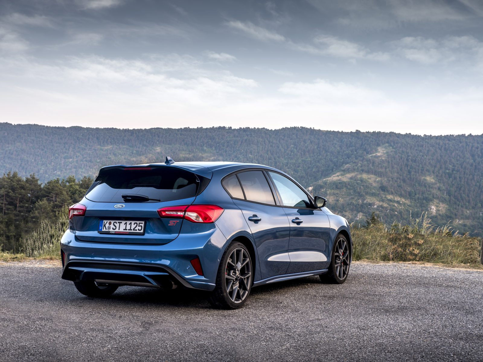 Rear view of Ford Focus ST