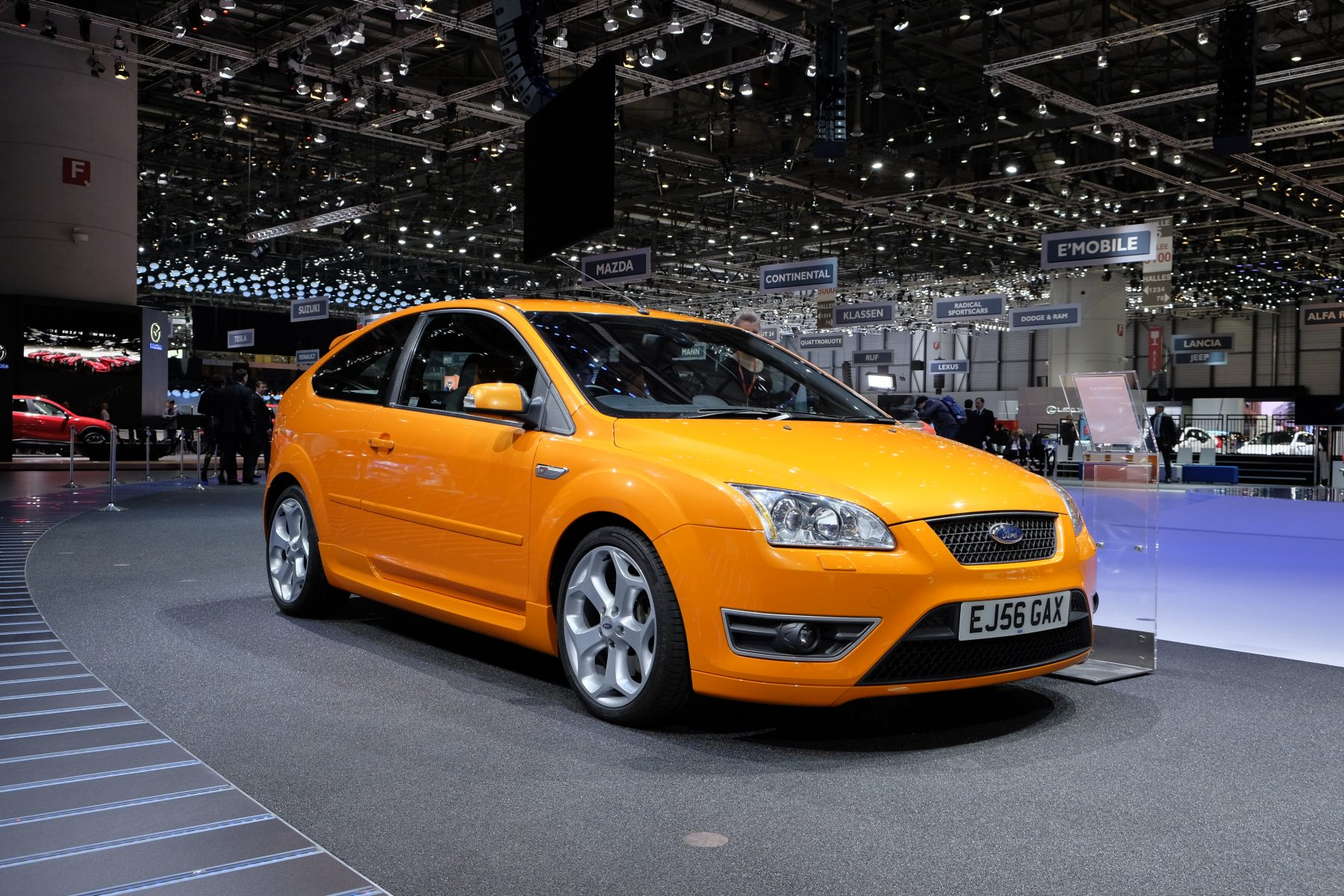 Orange Mk2 Ford Focus ST